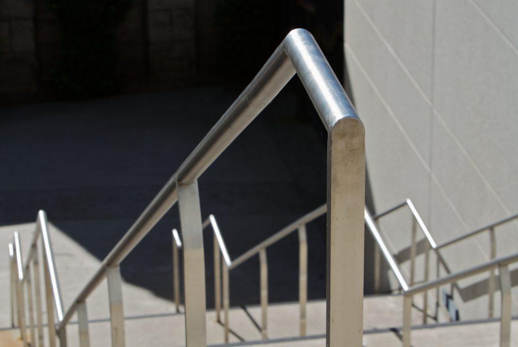 an aluminum metal railings